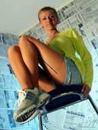 Blonde Milf Lily Nylon and Jeans - pics 06