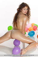 Oiled Beauty Adel with Balloons - pics 13
