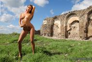 Sexy Nude Juliette Lost Castle - pics 03