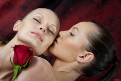 Rina and Witta Love Rose Petals - pics 10