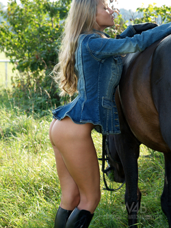 Blonde Dream Girl with her Pony - pics 06