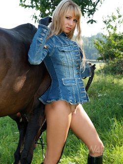 Blonde Dream Girl with her Pony - pics 09