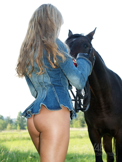 Blonde Dream Girl with her Pony - pics 10