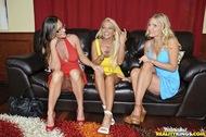 Busty Milf Trio Licking Lesbians - pics 03
