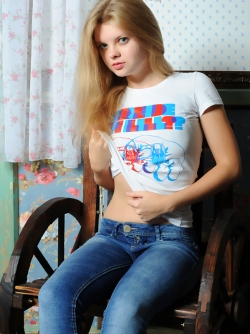 Blue Eyed Petite Blonde Taking of her Skin Tight Blue Jeans