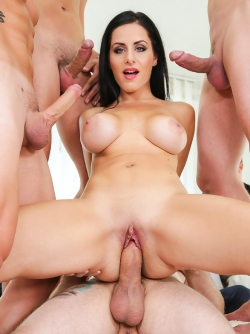 Kate Black Banged by Seven Cocks