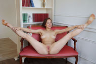 Miren Spreading Trimmed Pussy - pics 05