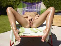 Oiled Girl Darina L Burning Hot - pics 05