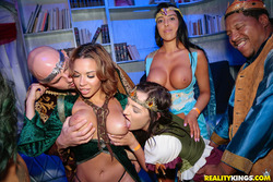 Carnival Hardcore Orgy in the VIP - pics 02