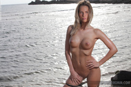 Adele Tight Body at the Beach - pics 07