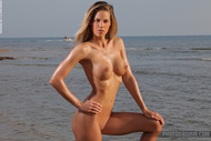 Adele Tight Body at the Beach - pics 09