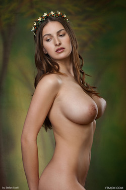 Busty Beauty Karla S - Breathtaking - pics 10