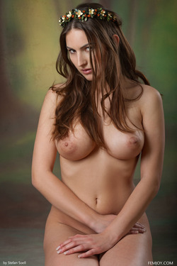 Busty Beauty Karla S - Breathtaking - pics 15
