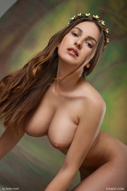 Busty Beauty Karla S - Breathtaking - pics 17
