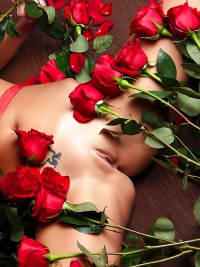 Naked Sexy Girl with Red Roses