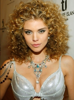Beautiful Actress AnnaLynne McCord her Various Sexy Pictures