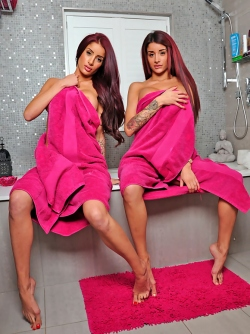 Sexy Twins Preeti and Priya - Glamour Girls Stripping in Bathroom