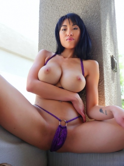Busty Asian Milf Jayden Lee in Tiny Bikini, Perfect Body Pictures