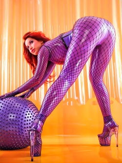 Bianca Beauchamp - The Hottest Redhead Lady in Latex Catsuit