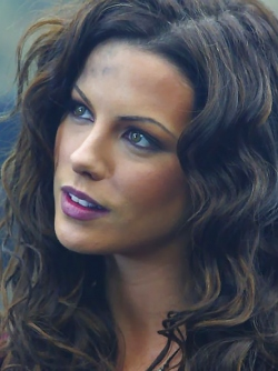 Beautiful British Actress Kate Beckinsale Various Pictures