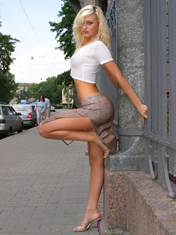 Amateur Blonde from Russia Mishel Shows her Perfect Body in Public