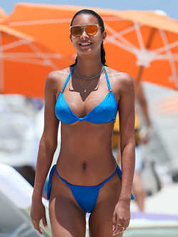 Hot leggy babe Lais Ribeiro Presents toned Figure in Awesome Bikini