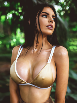 Beautiful Aussie, Nicole Thorne Present her World Champion Boobs